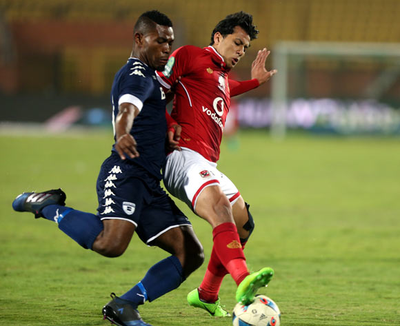 epa05842753 Al Ahly's player Amr Gamal (R)  in action  against Bidvest Wits  player Thulani Hlatshwayo (L) during the African Champions League (CAF) match between Al Ahly and  Bidvest Wits   at Salam stadium in Cairo, Egypt, 11 March 2017.  EPA/KHALED ELFIQI