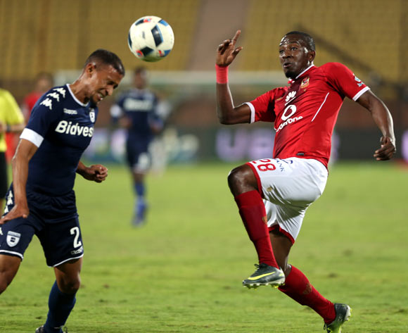 epa05842797 Al Ahly's player Junior Ajayi (R)  in action  against Bidvest Wits  player Nazeer Allie (L) during the African Champions League (CAF) match between Al Ahly and  Bidvest Wits   at Salam stadium in Cairo, Egypt, 11 March 2017.  EPA/KHALED ELFIQI