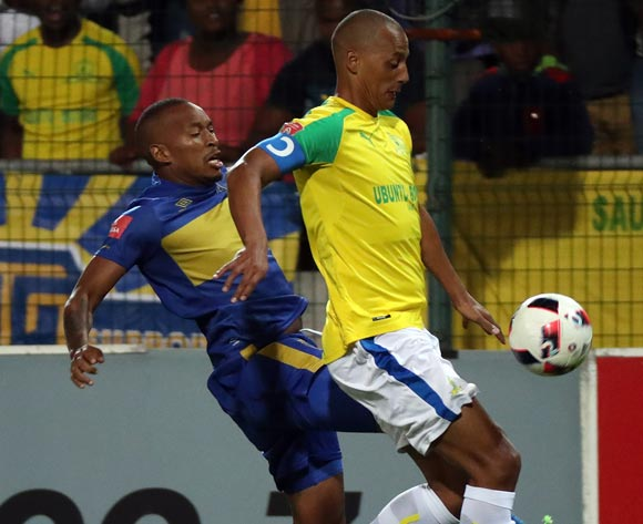 Wayne Arendse of Mamelodi Sundowns evades challenge from Lehlohonolo Majoro of Cape Town City FC during the Absa Premiership 2016/17 football match between Cape Town City FC and Mamelodi Sundowns at Athlone Stadium, Cape Town on 3 March 2017 ©Chris Ricco/BackpagePix