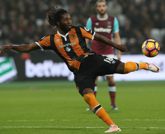 Mbokani out for six weeks