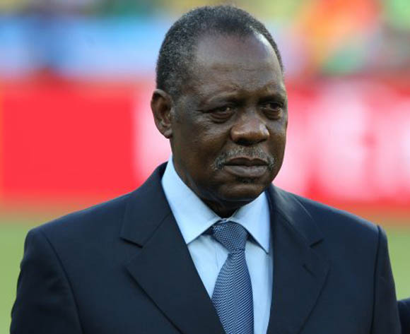 Mugabe says Hayatou did nothing to protect Zimbabwe
