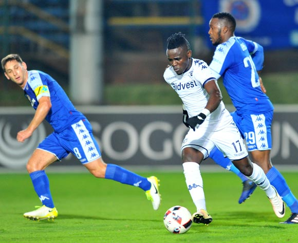 Gabadinho Mhango of Bidvest Wits challenged by Dean Furman and Morgan Gould of Supersport United during the 2017 Absa Premiership 2016/17 match between Bidvest Wits and Supersport United at the Bidvest Stadium, South Africa on 25 April 2017 ©Samuel Shivambu/BackpagePix