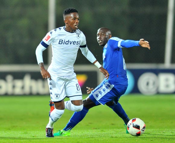 Thabang Monare of Bidvest Wits challenged by Aubrey Modiba of Supersport United during the 2017 Absa Premiership 2016/17 match between Bidvest Wits and Supersport United at the Bidvest Stadium, South Africa on 25 April 2017 ©Samuel Shivambu/BackpagePix