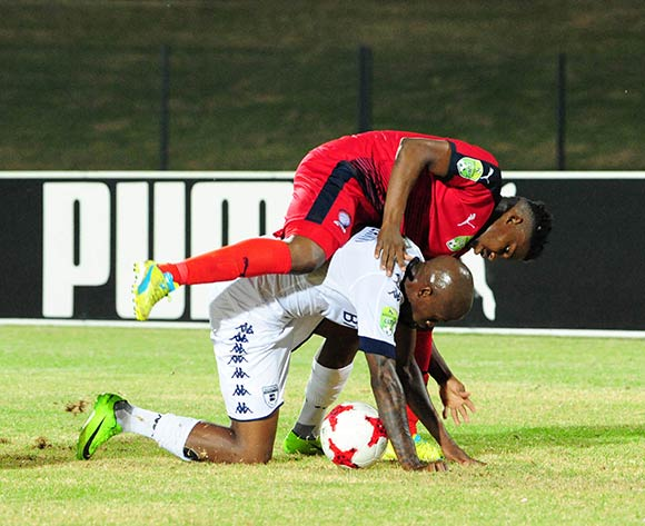 Sfiso Hlanti of Bidvest Wits challenged by Thato Lingwati of Jomo Cosmos during the Absa Premiership 2016/17 match between Jomo Cosmos and Bidvest Wits at Tsakane Stadium on 4 April 2017 ©Aubrey Kgakatsi/BackpagePix