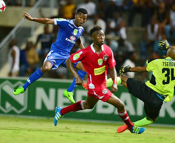 Mandla Masango of Supersport United challenged by Nimrode Tsengwa of Kwadukuza United during the 2017 Nedbank Cup match between Kwadukuza United and Supersport United at the Sugar Ray Xulu Stadium, South Africa on 04 April 2017 ©Samuel Shivambu/BackpagePix