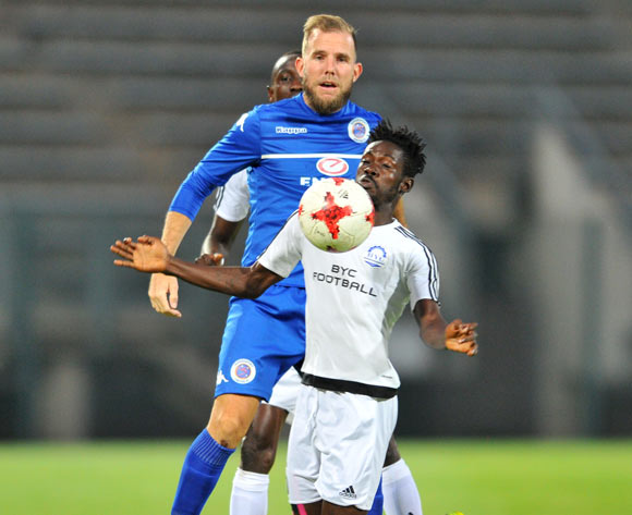 Abraham Dougbeh of Barrack Young Controller challenged by Jeremy Brockie of Supersport United during the 2017 CAF Confederation Cup match between Supersport United and Barrack Young Controller at the Lucas Moripe Stadium, South Africa on 16 April 2017 ©Samuel Shivambu/BackpagePix