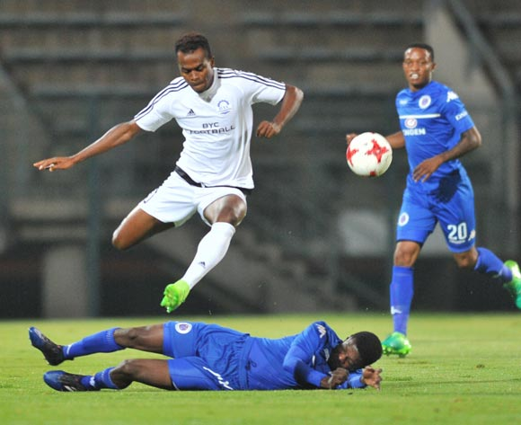 Prince Saydee of Barrack Young Controller challenged by Teboho Mokoena of Supersport United during the 2017 CAF Confederation Cup match between Supersport United and Barrack Young Controller at the Lucas Moripe Stadium, South Africa on 16 April 2017 ©Samuel Shivambu/BackpagePix