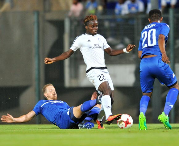 David Tello Tweh of Barrack Young Controller challenged by Michael Morton of Supersport United during the 2017 CAF Confederation Cup match between Supersport United and Barrack Young Controller at the Lucas Moripe Stadium, South Africa on 16 April 2017 ©Samuel Shivambu/BackpagePix