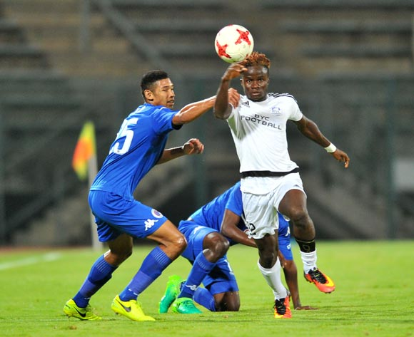 David Tello Tweh of Barrack Young Controller challenged by Denwin Farmer of Supersport United during the 2017 CAF Confederation Cup match between Supersport United and Barrack Young Controller at the Lucas Moripe Stadium, South Africa on 16 April 2017 ©Samuel Shivambu/BackpagePix