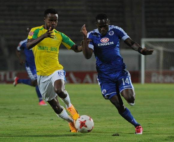 Themba Zwane of Mamelodi Sundowns challenges Onismor Bhasera of Supersport United during the Absa Premiership match beween Supersport United v Mamelodi Sundowns  on 19 April 2017 at Lucas Moripe Stadium  ©Sydney Mahlangu /BackpagePix