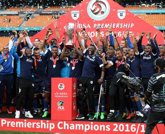Thulani Hlatshwayo and Buhle Mkhwanazi of Bidvest Wits holds aloft the trophy as Wits are crowned the 2016/2017 Absa Premiership Champions during the Absa Premiership 2016/17 match between Kaizer Chiefs and Bidvest Wits at the FNB Stadium, Johannesburg South Africa on 27 May 2017 ©Muzi Ntombela/BackpagePix