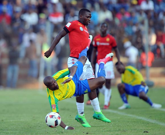 Elias Monene of Highlands Park challenges Tebogo Langerman of Mamelodi Sundowns during the Absa Premiership match between Highlands Park and Mamelodi Sundowns on 27 May 2017 at Makhulong Stadium © Sydney Mahlangu /BackpagePix