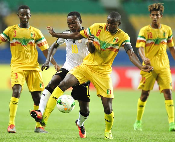 Emmanuel Toku of Ghana challenged by Djemoussa Traore and Mohamed Camara of Mali during the 2017 Under 17 Africa Cup of Nations Finals match between Ghana and Mali at the Libreville Stadium in Gabon on 28 May 2017 ©Samuel Shivambu/BackpagePix