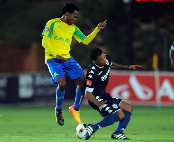 Granwald Scott of Bidvest Wits challenges Percy Tau of Mamelodi Sundowns during the Absa Premiership match between Bidbest Wits and Mamelodi Sundowns on 01 May 2017 at Bidvest Stadium  © Sydney Mahlangu /BackpagePix