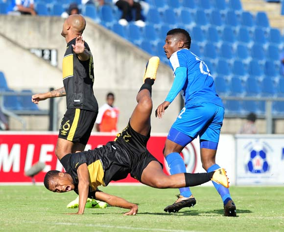 Tshepo Gumede of Cape Town City challenged by Mohau Mokate of Maritzburg United during the Absa Premiership 2016/17 match between Maritzburg United and Cape Town City at the Harry Gwala Stadium, South Africa on 01 May 2017 ©Samuel Shivambu/BackpagePix