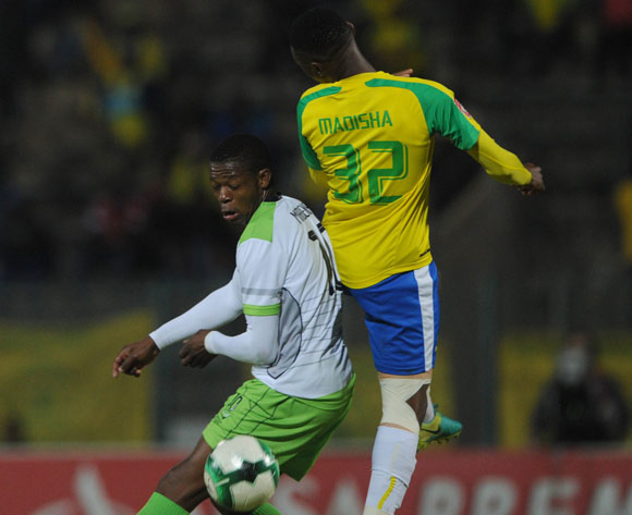 Modjeka Madisha of Mamelodi Sundowns is challenged by Ndumiso Mabena of Platinum Stars during the Absa Premiership match between Mamelodi Sundowns and Platinum Stars on 04 May 2017 at Lucas Moripe Stadium  © Sydney Mahlangu /BackpagePix