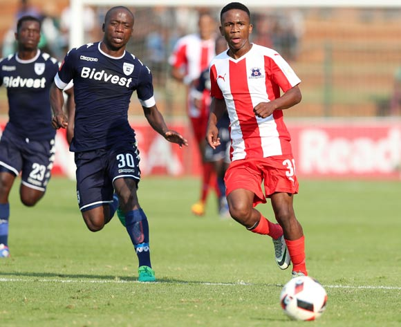 Mlondi Dlamini of Maritzburg United challenged by Ben Motshwari of Bidvest Wits during the Absa Premiership 2016/17 match between Bidvest Wits and Maritzburg United at Bidvest Stadium in Johannesburg, South Africa on 07 May 2017 ©Muzi Ntombela/BackpagePix