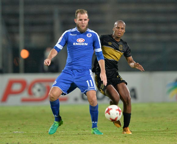 Jeremy Brockie of Supersport United challenged by Tshepo Gumede of Cape Town City during the Absa Premiership 2016/17 match between Supersport United and Cape Town City at the Lucas Moripe Stadium, South Africa on 09 May 2017 ©Samuel Shivambu/BackpagePix