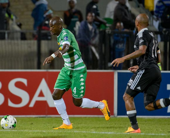 Musa Nyatama of Bloemfontein Celtic and Oupa Manyisa of Orlando Pirates during the Absa Premiership match between Bloemfontein Celtic and Orlando Pirates on 10 May 2017 at Dr Molemela Stadium, Bloemfontein ©Frikkie Kapp /BackpagePix