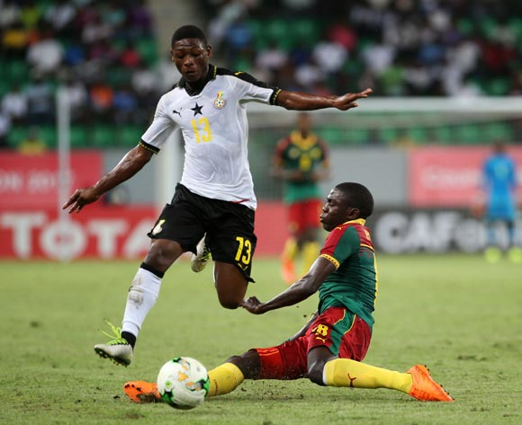GABRIEL LEVEH of Ghana evades tackle from AMES ARMEL ETO'O EYENGA of Cameroon during the 2017 Under 17 Africa Cup of Nations Finals football match between Cameroon and Ghana at the Port Gentil Stadium, Gabon on 14 May 2017 ©Alain Guy Suffo/BackpagePix