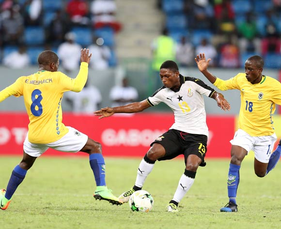 Gabriel Leveh of Ghana challenged by Meshak Babanzila Mayala and Brayan Sysi Kassa of Gabon during the 2017 Under 17 Africa Cup of Nations Finals football match between Ghana and Gabon at the Port Gentil Stadium, Gabon on 17 May 2017 ©Muzi Ntombela/BackpagePix