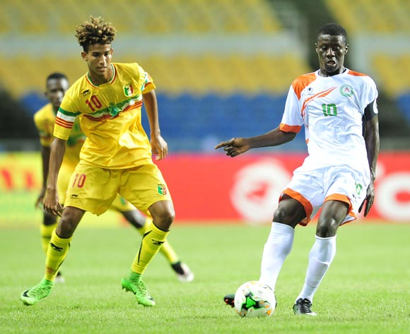 Rachid Alfari Souley of Niger challenged by Abdoul Salam Jiddou of Mali during the 2017 Under 17 Africa Cup of Nations Finals football match between Niger and Mali at the Libreville Stadium in Gabon on 18 May 2017 ©Samuel Shivambu/BackpagePix