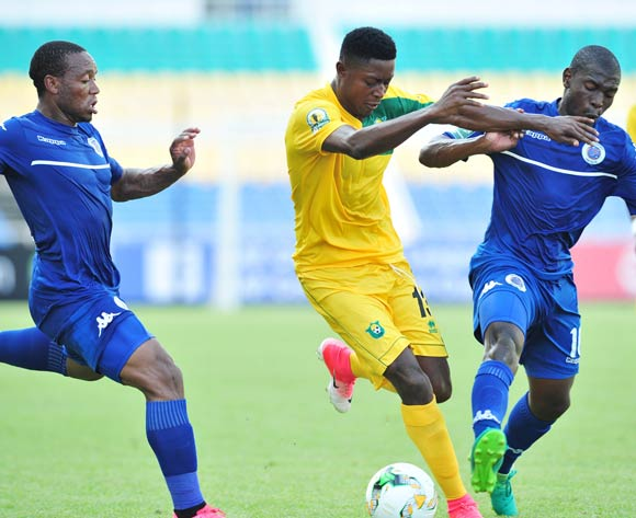 Ralph Freddy Bamba of CF Mounana challenged by Thuso Phala and Aubrey Modiba of Supersport United during the 2017 CAF Confederation Cup match between CF Mounana and Supersport United at the Libreville Stadium in Gabon on 23 May 2017 ©Samuel Shivambu/BackpagePix