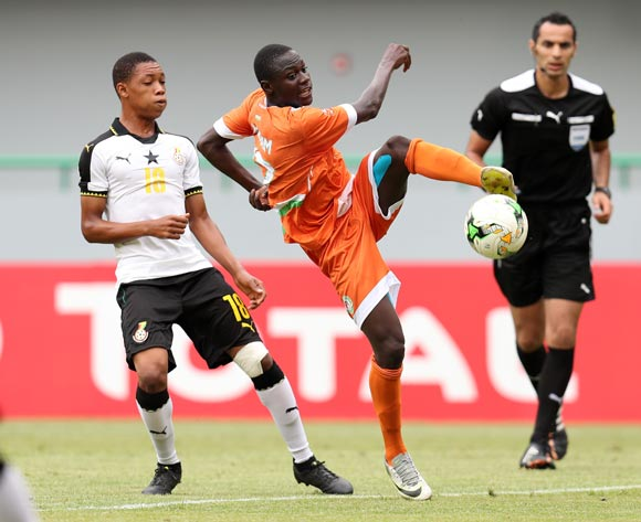 Ibrahim Boubacar Moussa of Niger challenged by Mohammed Iddriss of Ghana during the 2017 Under 17 Africa Cup of Nations Finals Ghana and Niger at the Port Gentil Stadium, Gabon on 24 May 2017 ©Muzi Ntombela/BackpagePix