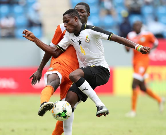 Edmund Arko Mensah of Ghana shields ball from Habibou Sofiane of Niger during the 2017 Under 17 Africa Cup of Nations Finals Ghana and Niger at the Port Gentil Stadium, Gabon on 24 May 2017 ©Muzi Ntombela/BackpagePix