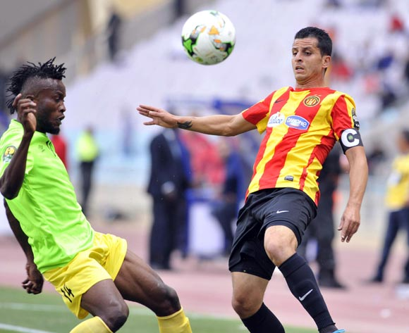 Chamam Khalil (R) of Esperance Tunis vies for the ball with Muzinga Ngonda (L) AS Vita Club during the CAF Champions League match between Esperance Tunis and AS Vita Club in Tunis, Tunisia, 12 May 2017