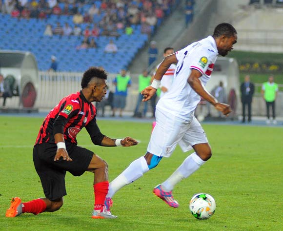 USM Alger player Andriamahitsinoro Charles Carlous (R) fights for the ball with Zamalek  Abdellaoui Ayoub (L)  during the 2017 CAF Champions League game between USM Alger and Zamalek at Stade 5 Juillet 1962 in Algiers, Algeria on 21 June 2017 © BackpagePix