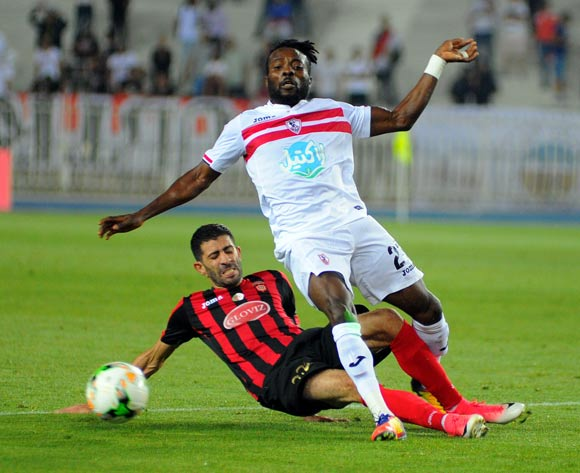 USM Alger player Mohamed Rabie Meftah (L) fights for the ball with Zamalek Stanley Ohawuchi (R) during the 2017 CAF Champions League game between USM Alger and Zamalek at Stade 5 Juillet 1962 in Algiers, Algeria on 21 June 2017 © BackpagePix