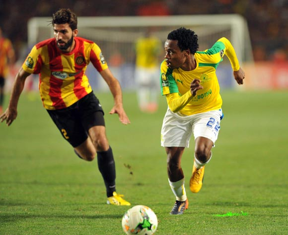 Mamelodi Sundowns player Percy Tau (R) fights for the ball with  Esperance player Machani Ali (L) during the 2017 CAF Champions League game between Esperance and Mamelodi Sundowns at Stade Olympique In Tunis, Tunisia on 21 June 2017 © BackpagePix