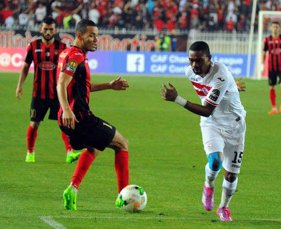 USM Alger player Darfalou Oussama (L) fights for the ball with Zamalek Maroof Yusuf (R) during the 2017 CAF Champions League game between USM Alger and Zamalek at Stade 5 Juillet 1962 in Algiers, Algeria on 21 June 2017 © BackpagePix
