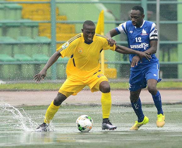 Olalekan Gabriel of Rivers United  challenges Muzamiru Mutyaba of KCCA during the 2017 CAF Confederation football match between Rivers United and Kampala City at Yakubu Gowon Stadium in Port Harcourt, Nigeria. @Kabiru Abubakar/BackpagePix
