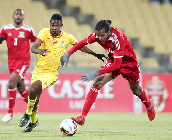 Mellie Warren Eric of Seychelles challenges by Prince Dube Mpumelelo of Zimbabwe during the 2017 Cosafa Castle Cup match between Zimbabwe and Seychelles at the Royal Bafokeng Stadium, Rustenburg South Africa on 30 June 2017 ©Muzi Ntombela/BackpagePix