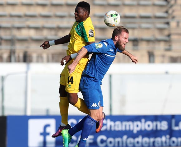 Jeremy Brockie of Supersport United challenged by Chico Sassou of CF Mounana during the 2017 CAF Confederations Cup match between Supersport United and CF Mounana at the Lucas Moripe Stadium, Atteridgeville South Africa on 08 July 2017 ©Muzi Ntombela/BackpagePix
