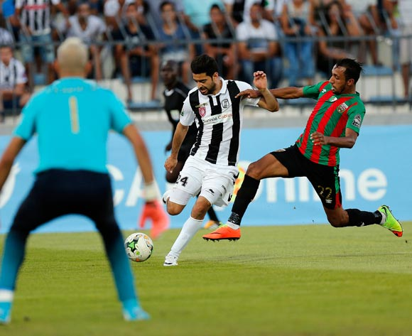 Club Sportif Sfaxien player  Hamza Mathlouthi  ( C) fights for the ball with Mouloudia Club D'Alger player Ayoub Azzi (R) during the 2017 CAF Confederations Cup game between Sfaxien and Mouloudia Club D'Alger in Sfax, Tunisia on 8 July 2017 © BackpagePix