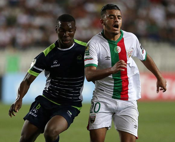 Mouloudia Club D'Alger player  Zakaria Mansouri (R) fights for the ball with Platinum Stars player  Charles Baloyi (L) during the 2017 CAF Confederations Cup game between Mouloudia Club D'Alger and Platinum Stars at Stade 5 Juillet 1962 in Algiers, Algeria on 30 June 2017 © BackpagePix