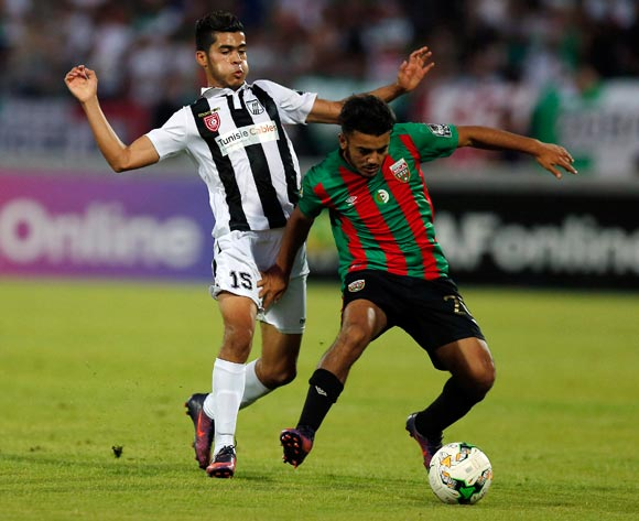 Club Sportif Sfaxien player  Wajdi Saïdani  (L) fights for the ball with Mouloudia Club D'Alger player  Zakaria Mansouri ( R) during the 2017 CAF Confederations Cup game between Sfaxien and Mouloudia Club D'Alger in Sfax, Tunisia on 8 July 2017 © BackpagePix