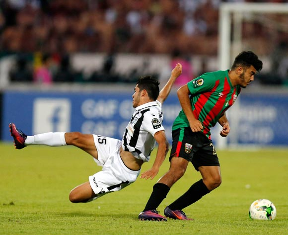 Club Sportif Sfaxien player Wajdi Saïdani  (R) fights for the ball with Mouloudia Club D'Alger player  Zakaria Mansouri  (R during the 2017 CAF Confederations Cup game between Sfaxien and Mouloudia Club D'Alger in Sfax, Tunisia on 8 July 2017 © BackpagePix