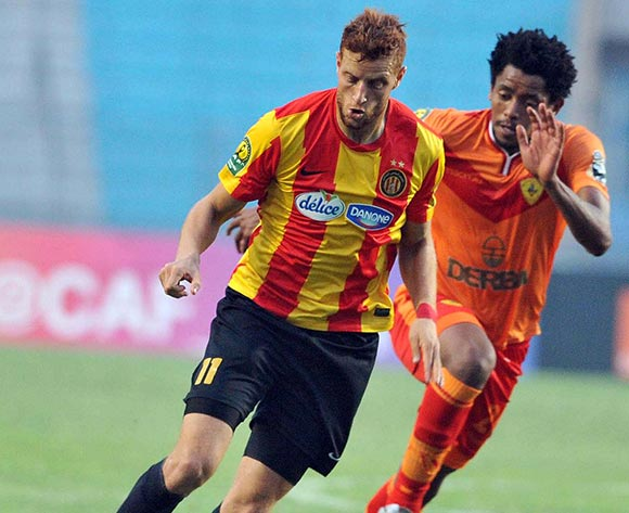 Esperance Sportive de Tunis player Ben Youssef Fakhreddine (L) fights for the ball with Saint George S.C. player Natnael Zeleke (R) during the 2017 CAF Champions League game between Esperance and Saint George Tunis, Tunisia on 9 July 2017 © BackpagePix