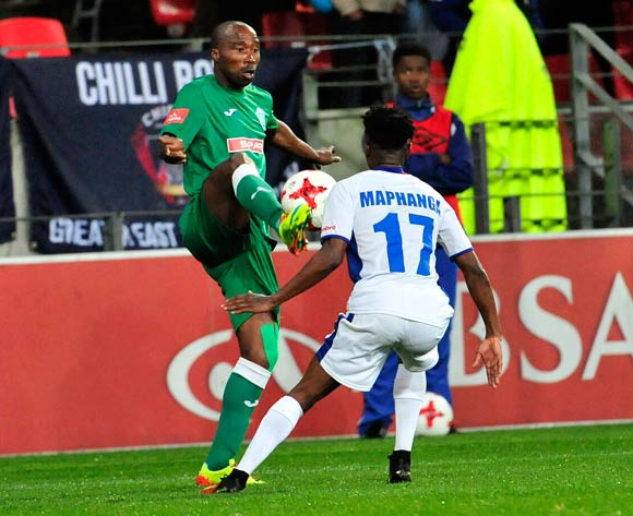 Siyabonga Nomvethe of Amazulu FC guarded by Phetso Maphanga of Chippa United during the Absa Premiership 2017/18 game between Chippa United and Amazulu  at Nelson Mandela Bay Stadium in Port Elizabeth on 22 August 2017 © Deryck Foster/BackpagePix