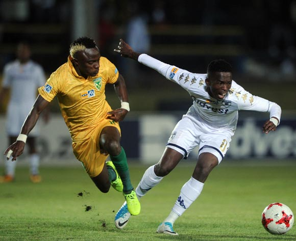 Thabang Monare of Bidvest Wits is challenged by Kudakwashe Mahachi of Golden Arrows during the MTN8 quarterfinal match between Bidvest Wits and Golden Arrows on the 11 August 2017 at Bidvest Stadium © Sydney Mahlangu /BackpagePix