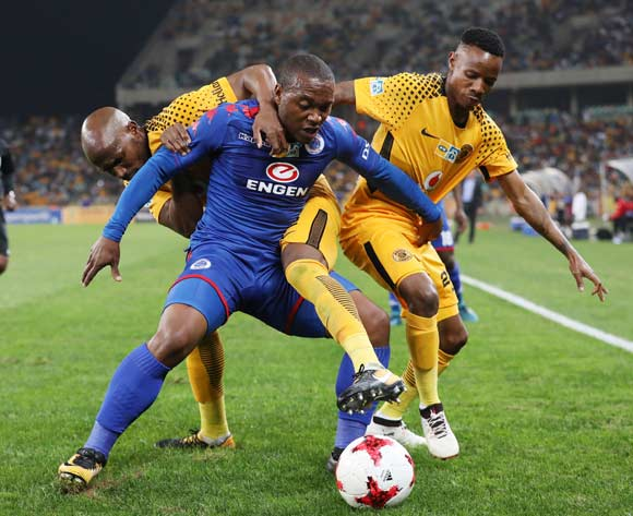 Thuso Phala of Supersport United challenged by Ramahlwe Mphahlele and Joseph Molangoane of Kaizer Chiefs during 2017 MTN8 match between Kaizer Chiefs and Supersport United at Moses Mabhida Stadium, Durban South Africa on 12 August 2017 ©Muzi Ntombela/BackpagePix
