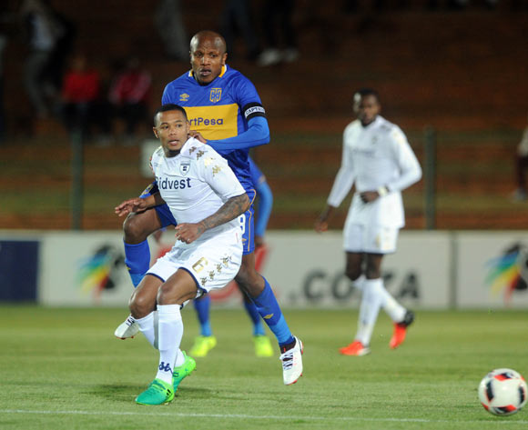 Lebogang Manyama of Cape Town City challenges Granwald Scott of Bidvest Wits  during the Absa Premiership match between Bidvest Wits and Cape Town City on the 18 August 2017 at Bidvest  Stadium © Sydney Mahlangu /BackpagePix