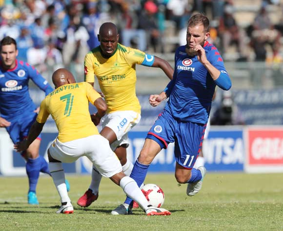 Jeremy Brockie of Supersport United tackled by Oupa Manyisa of Mamelodi Sundowns during the 201/18 Absa Premiership football match between Supersport United and Sundowns at Lucas Moripe Stadium, Pretoria on 19 August 2017 ©Gavin Barker/BackpagePix