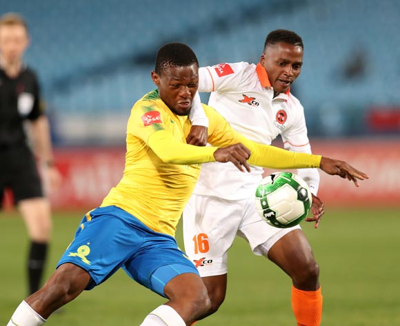 Motjeka Madisha of Mamelodi Sundowns challenged by Vusimuzi Mngomezulu of Polokwane City during Absa Premiership 2017/18 match between Mamelodi Sundowns and Polokwane City at Loftus Versveld Stadium, Pretoria South Africa on 22 August 2017 ©Muzi Ntombela/BackpagePix