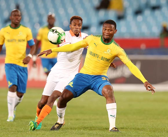 Motjeka Madisha of Mamelodi Sundowns challenged by Thabang Klaas of Polokwane City during Absa Premiership 2017/18 match between Mamelodi Sundowns and Polokwane City at Loftus Versveld Stadium, Pretoria South Africa on 22 August 2017 ©Muzi Ntombela/BackpagePix