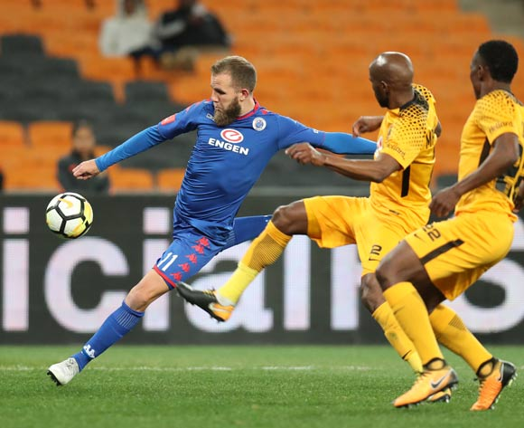 Jeremy Brockie of Supersport United challenged by Ramahlwe Mphahlele and Philani Zulu of Kaizer Chiefs during Absa Premiership 2017/18 match between Kaizer Chiefs and Supersport United at FNB Stadium, Johannesburg South Africa on 23 August 2017 ©Muzi Ntombela/BackpagePix